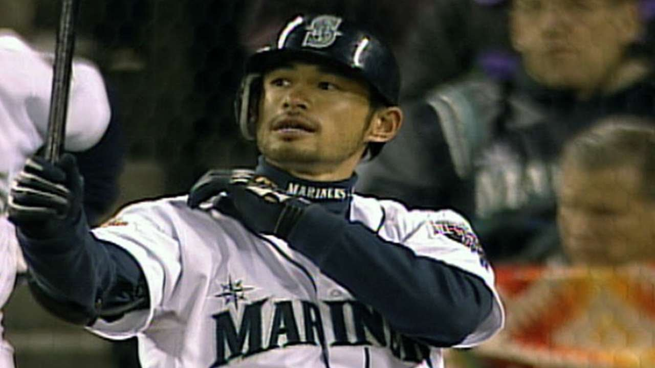 Ichiro notches his first hit in the Major Leagues - YouTube
