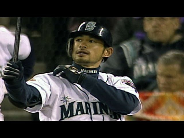 OAK@SEA: Ichiro notches first MLB hit