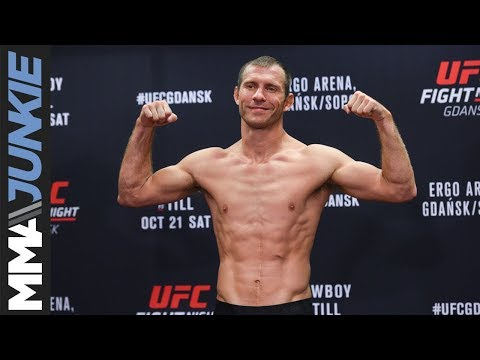 UFC Fight Night 118 official weigh in highlight