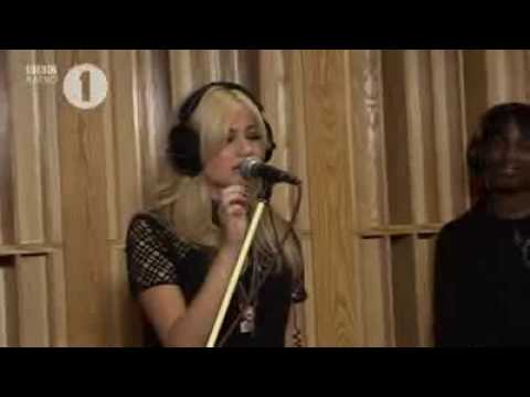 Pixie Lott  Cry Me Out  Lounge