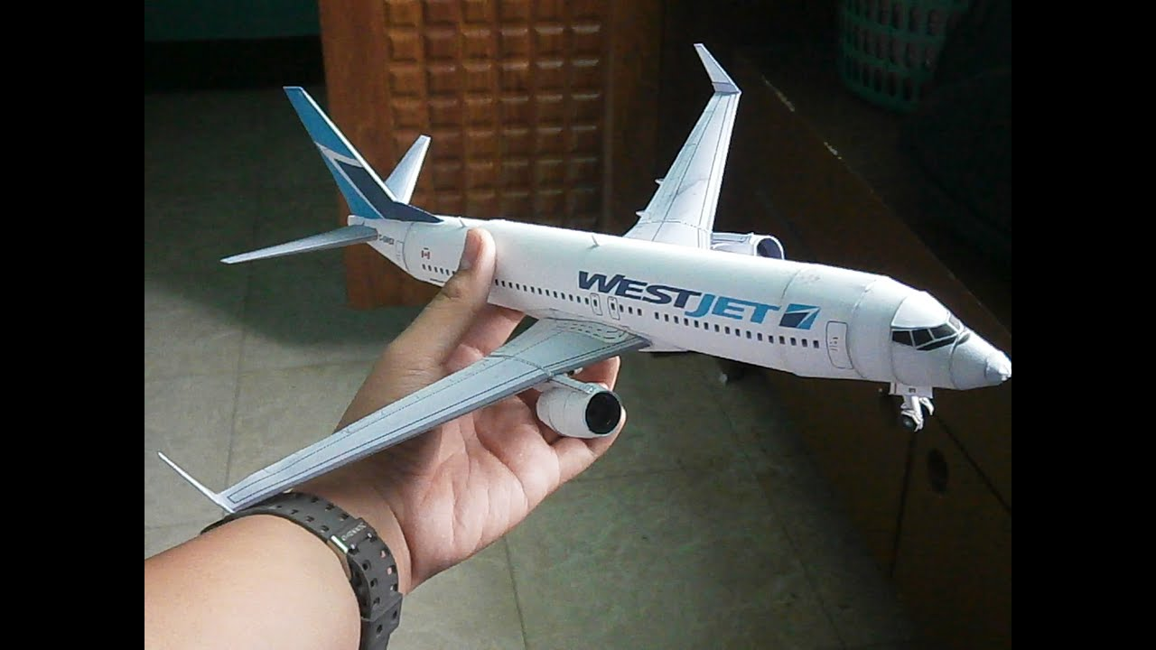 Papercraft West Jet Boeing 737-800 Papercraft