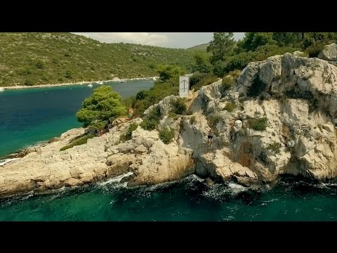 CLIFF DIVING/JUMPING IN HVAR   | Europe Daily Travel Vlog Day 22  (Hvar Town, Croatia,)