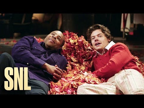 Chris Davis - PROMO: SNL Host Harry Styles and Kenan Enjoy the Magic of Fall