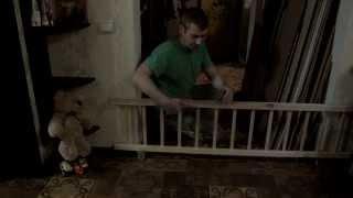 видео Как обезопасить лестницу для ребенка?