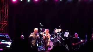 Peter Cetera cantando a duo con Senna en Recital en Paraguay 28-04-2013