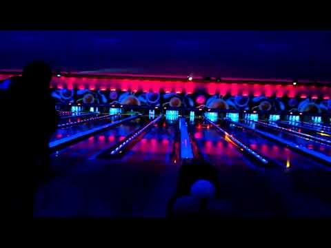 Comic Bowling