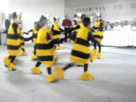 niños bailan la abeja miope de YouTube · Duración:  3 minutos 50 segundos  · Más de 352.000 vistas · cargado el 19.07.2008 · cargado por Leonor Ramos