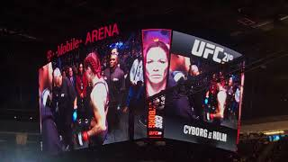 Video UFC 219 Cris Cyborg - LIVE Entrance download MP3, 3GP, MP4, WEBM, AVI, FLV Juli 2018