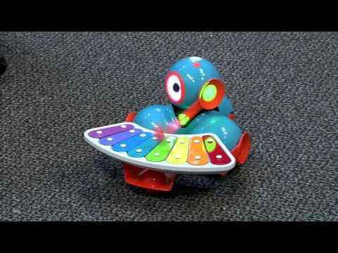 Meet Programmable Robots, Dot & Dash - Episode 71