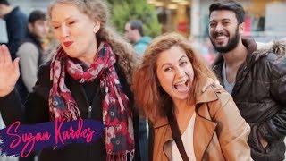 Suzan Kardeş Esra'ya Sokakta Makyaj Yapıyor | Kaçın Suzan Geliyor 5