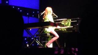 "Tori Amos- ""Invisible Boy"" for the lads, Live in Austin 7-3"