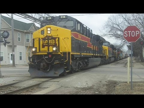 IAIS 514 Leads a Freight, Davenport, IA, 2/26/2016