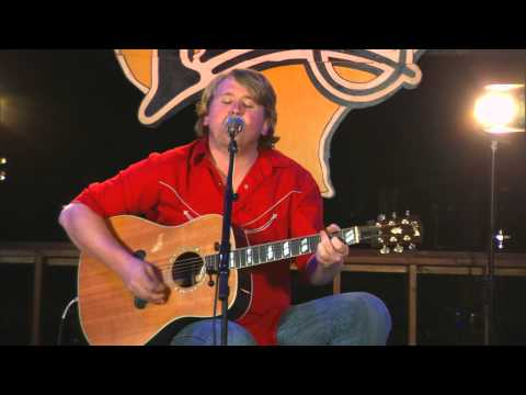 """William Clark Green Performs """"She Likes the Beatles"""" on The Texas Music Scene"""