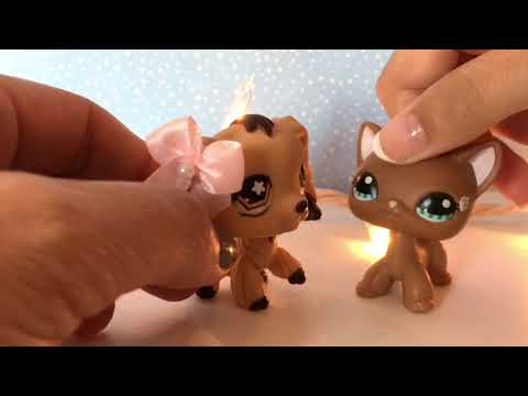 LPS:  My Mom Plays with LPS! 😂 |  lps kitkat ♡