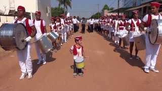 FANTASTICO !!! Garoto de 3 anos tocando fanfarra em  Rio Crespo. thumbnail