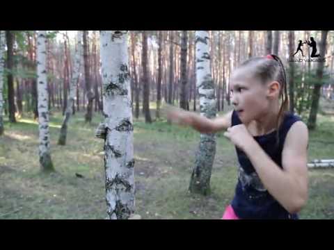 Elle n'a que 9 ans et son entrainement de boxe va vous faire flipper