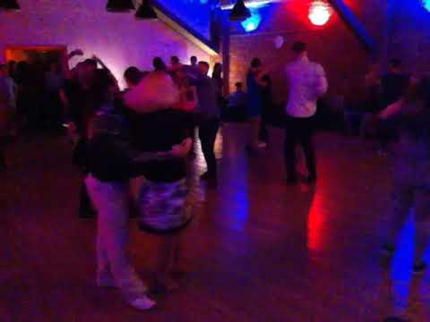 Перемещение по танцполу - ещё одно достоинство стиля Касино!