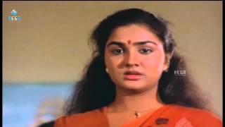 Mammootty, Urvashi, Lizzy and Janardhanan Best Scene ||  Adikkurippu