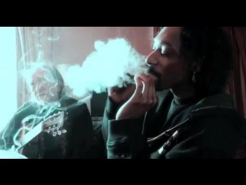 Snoop Dogg explains playing dominos & smoking weed with Willie Nelson | The Dr Greenthumb Show