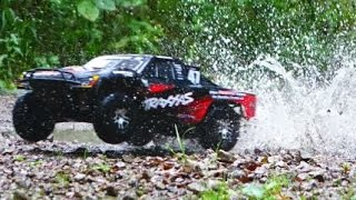 Traxxas Slash 4x4 amazing Dirt,Water & Drift Action [HD]