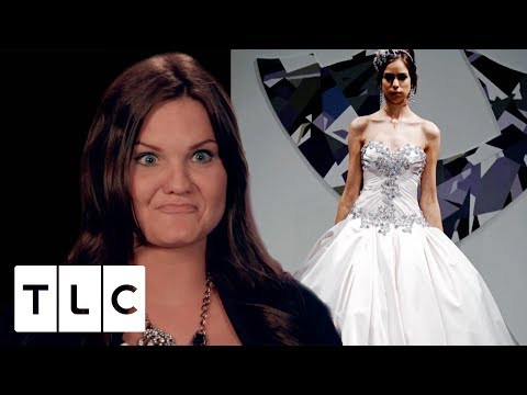"Sister Says ""We Can Share a Dress!"" 
