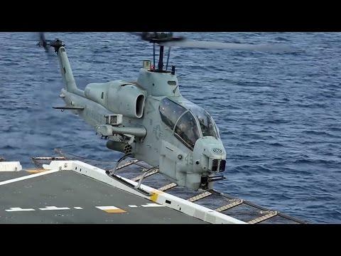 揚陸艦グリーン・ベイ 離着艦訓練 (AH-1Wスーパーコブラ, MV-22Bオスプレイ, UH-1Yヴェノム)