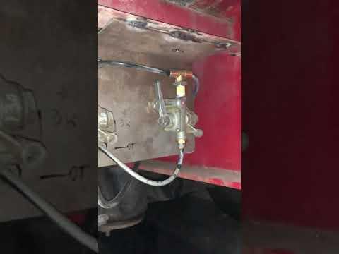 Ленивец на прицеп  Подключение кранов!