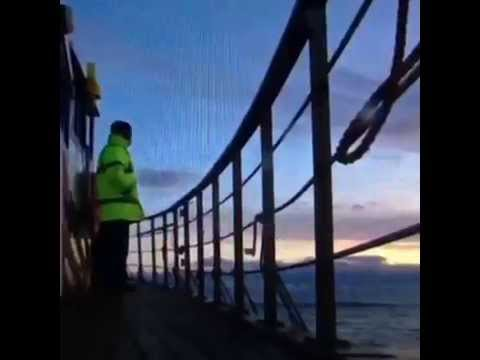 workers offshore wind energy in Scotland & Isle of wight