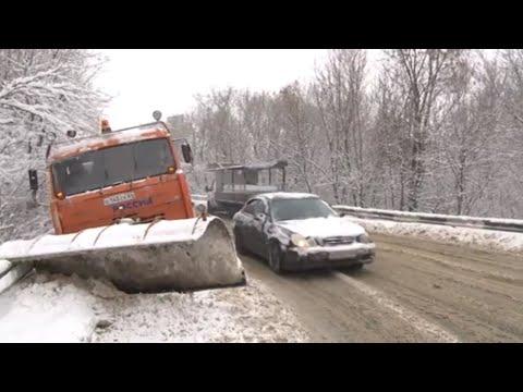 Последствия снегопада в области