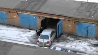 заезд в гараж.жесть