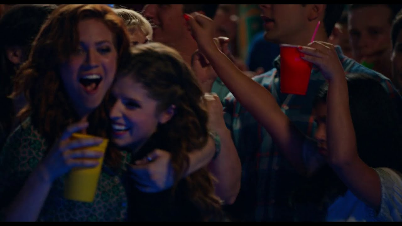 Download Pitch Perfect 2 - Pool Party Scene HD