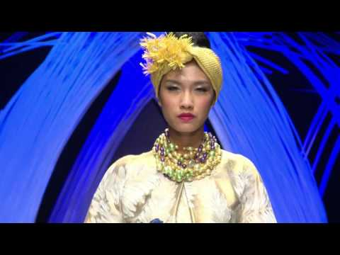 YUMI KATSURA | VIETNAM INTERNATIONAL FASHION WEEK 2015
