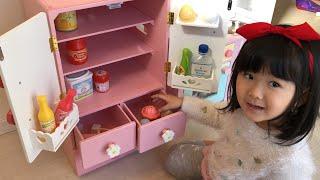 冷蔵庫にアイスが入らない!?大きくなって‼︎お買い物ごっこ Pretend Play a Refrigerator Toy