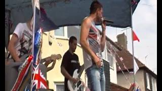 Highdrant ,Into the sun. live @ ridgeway west diamond jubilee street party 2012 026.MP4