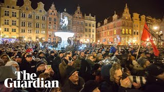 Thousands across Poland pay tribute to stabbed Gdańsk mayor