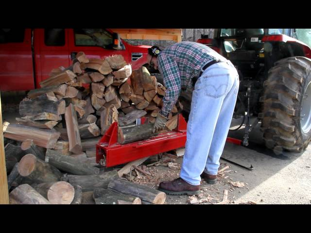 HD: Splitfire 3203 log splitter in action, 3-point hitch mount, tractor hydraulics-driven