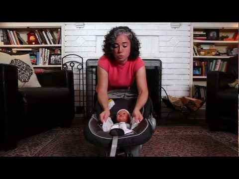 How to Properly Buckle Your Baby into the Car Seat