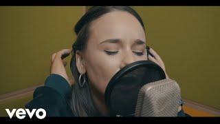 Смотреть клип Joel Corry Feat. Hayley May - Good As Gold