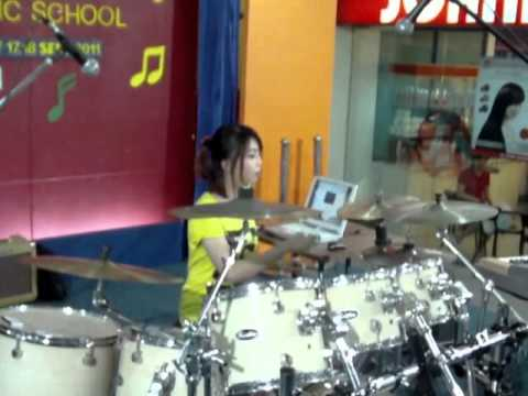 Jessie Chiang @DRUM DAY BSD PLAZA (18 SEPT 2011)
