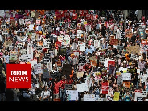 Aerial view of London anti-Trump protest - BBC News