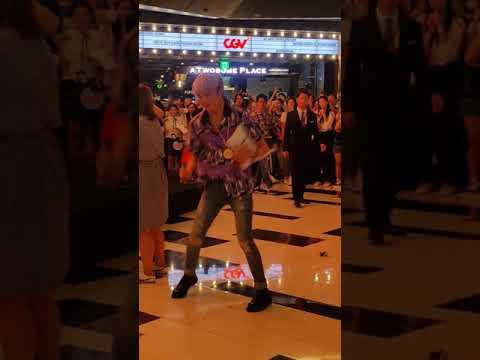 WINNER Yeouido Fansign - Seungyoon&39;s endless dancinghaha