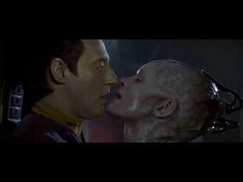 Data and Borg Queen Kiss