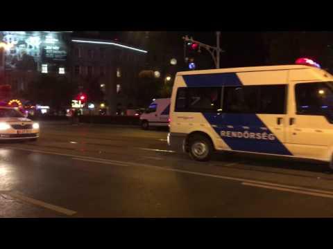 Egyre több rendőr érkezik az Oktgonra, ahol robbanás történt