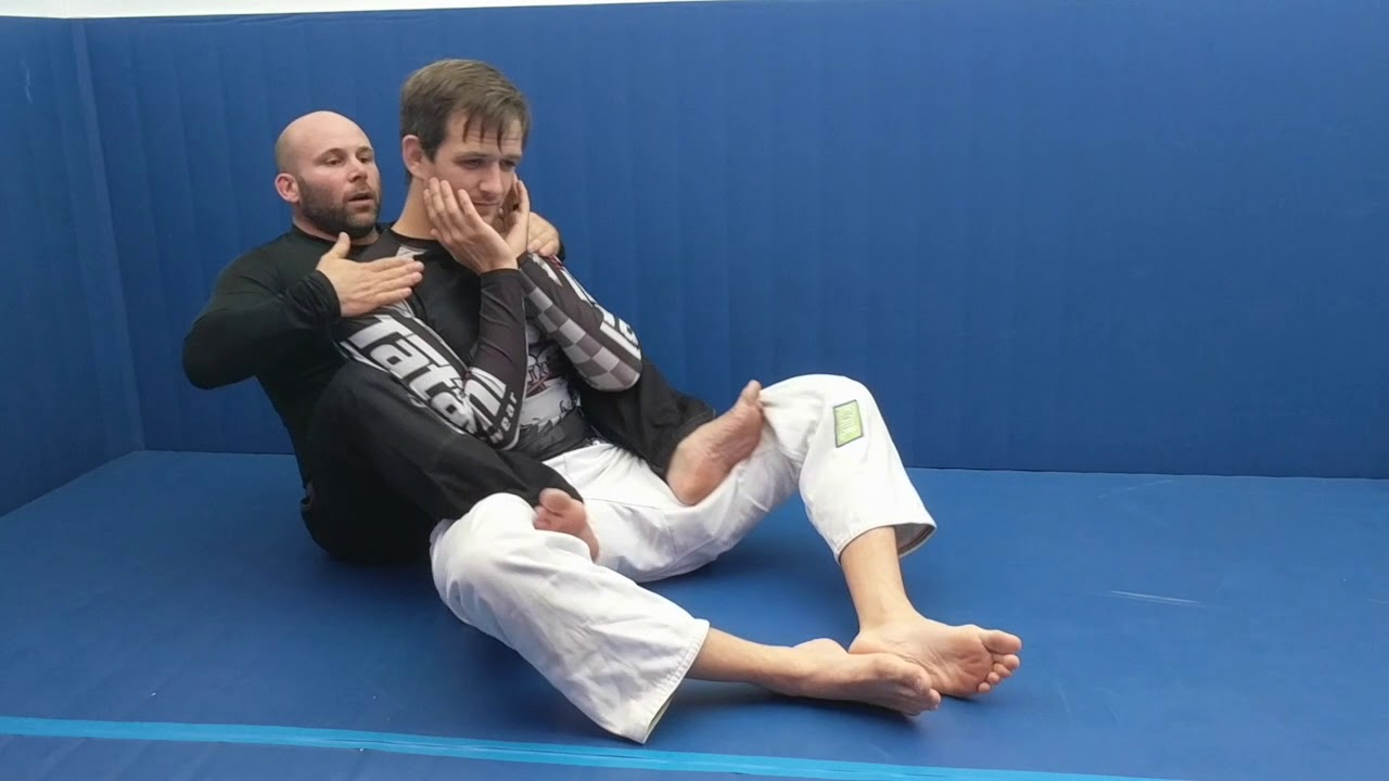 Getting under the chin for the rear naked choke - YouTube