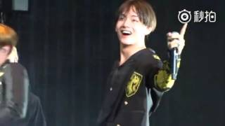 Video [FANCAM] [160702] BTS concert in Nanjing - Fun boys Taehyung focus download MP3, 3GP, MP4, WEBM, AVI, FLV Januari 2018