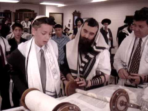 Jewish Boy Pray For His Bar-mitzvah - YouTube