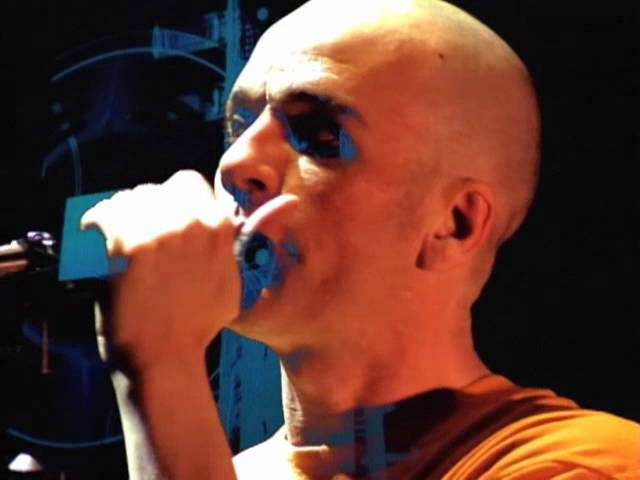 R.E.M. - Strange Currencies (Live Road Movie Version)