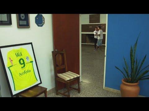 Familiares Y Amigos Esperan Por Emiliano Sala En Argentina