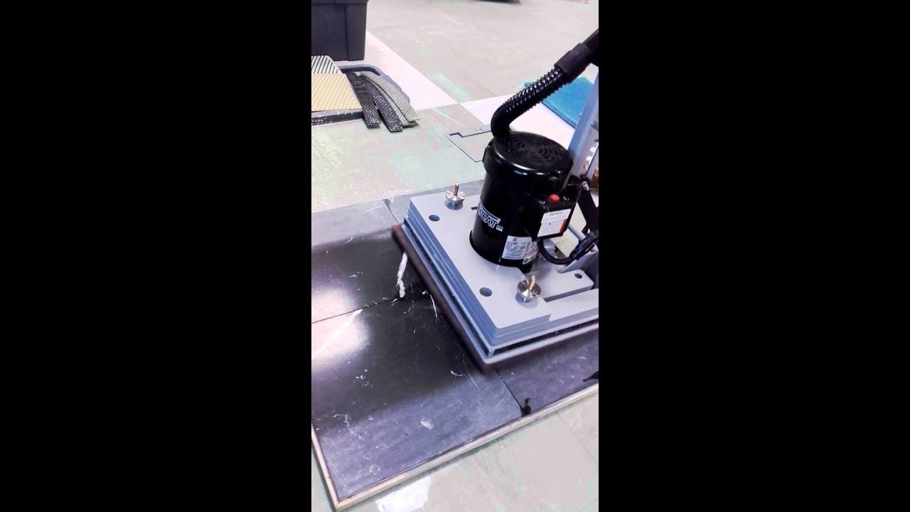 Tomcat Edge Stick Machine Youtube