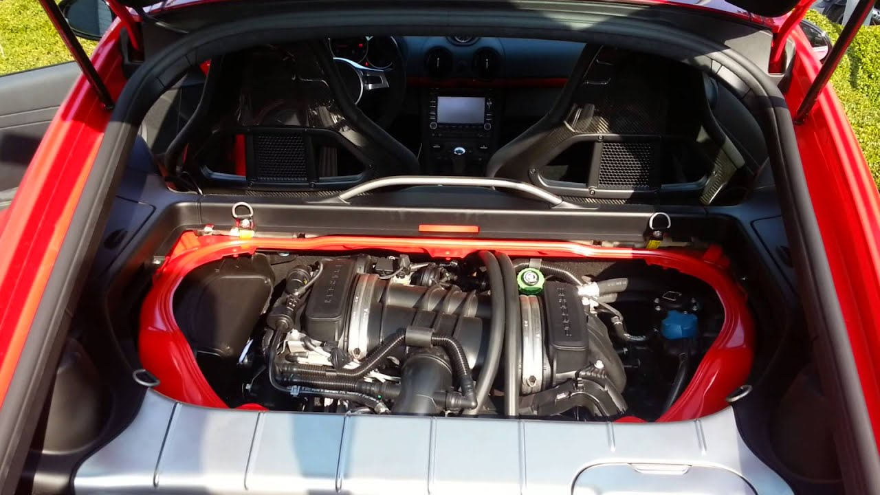 cayman r engine bay